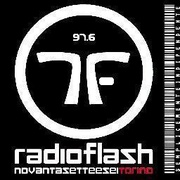 Radio Flash 97.6 Logo